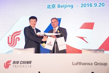 Song Zhiyong of Air China and Carsten Spohr of Lufthansa
