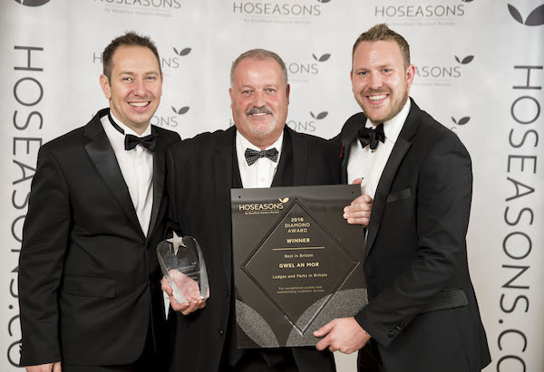 Bill Haslam, owner at Gwel an Mor (centre) with Hoseasons' property and portfolio director Mark Warnes, (left) and head of product, Kevin Baxter