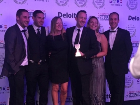 Sean Lowe (far right) and the James Villas team collect their award