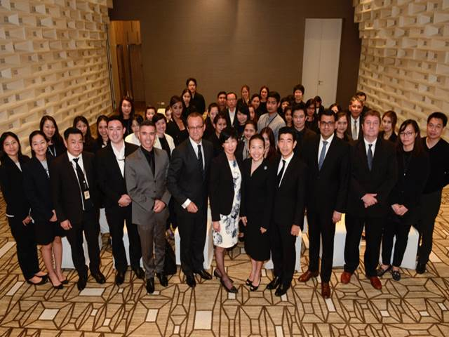 Executives at the signing of the deal for Meliá Bangkok