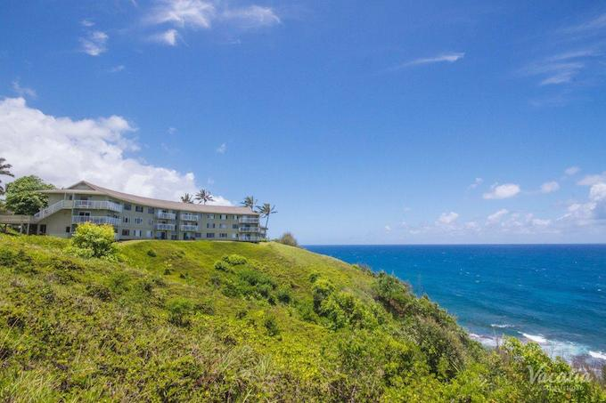 The resort sits atop a bluff overlooking the Pacific Ocean