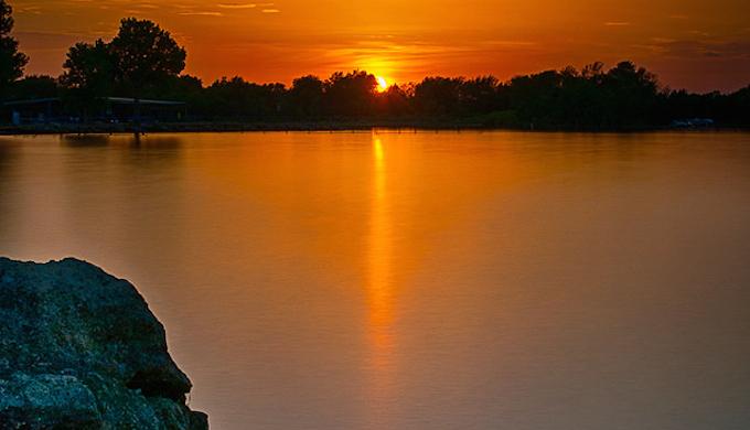 The resort enjoys lovely views over the lake